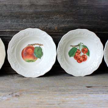 set of 4 vintage berry bowls with fruit designs