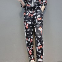 """LOUIS VUITTON"" Woman's Leisure  Fashion Letter Personality Printing Short Sleeve Trousers Two-Piece Set"