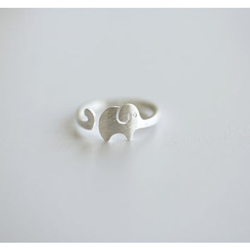 925 sterling silver ring,Cute elephant ring,minimalist,anniversary gift,adjustable rings,golden  elephant ring,unique,simple.animal ring