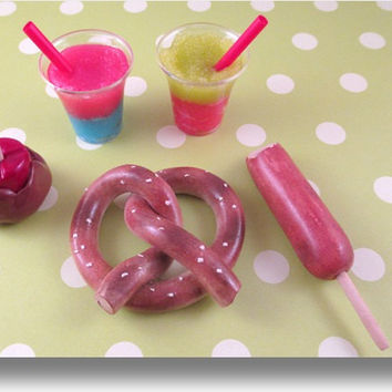 """Mini American Girl Doll Food """"The Rollercoaster"""" Collection by Katie's Craftations-Fits Saige or any 18"""" Doll! Top Selling! Cute!"""
