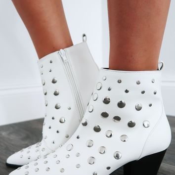 Make A Stand Booties: White/Silver
