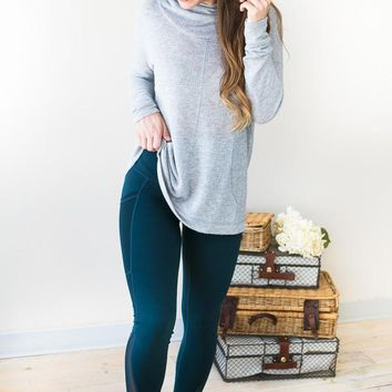 Drawing a Plank Teal Leggings with Mesh Pockets