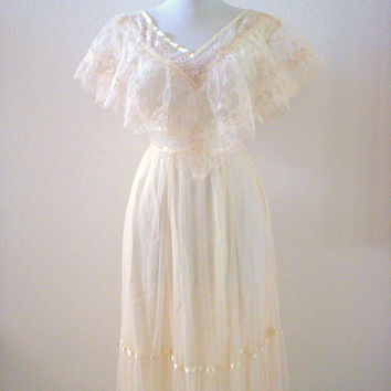 Vintage 70s Romantic Ivory Maxi Dress - 70s Boho Ivory Wedding Dress - In The Style of Gunne Sax - Size X Small to XX Small