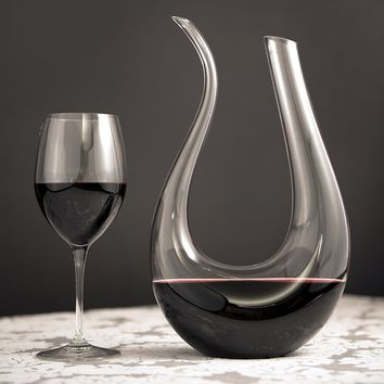 Premium Horn Shape Crystal Wine Decanter