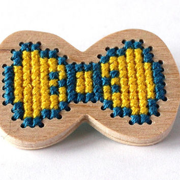 Precious bow brooch for girl, kids jewelry, lightweight wooden brooch, cross stitch pin, yellow and teal, ready to ship