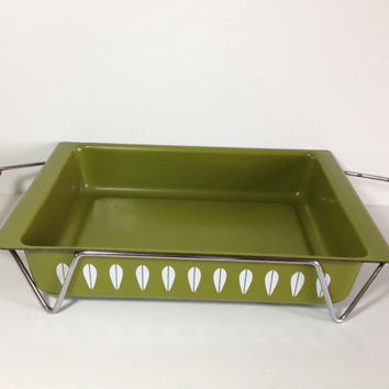 Cathrineholm Avocado Green Lotus Lasagna Pan with Teak Handle Trivet Mid Century Modern Roasting Pan metal Rack / Stand Green Enamelware