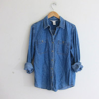 vintage jean shirt. denim shirt. button down shirt. pocket shirt. size M