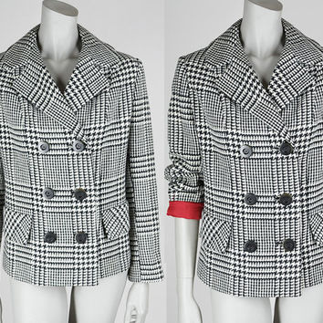 Vintage 60s Coat / 1960s Black and White Houndstooth Plaid Double Breasted Short Wool Coat L