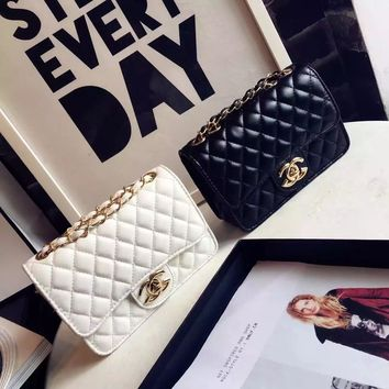 Chanel Women Simple Fashion Glossy Lacquer Leather Mini Metal Chain Single Shoulder Messenger Bag