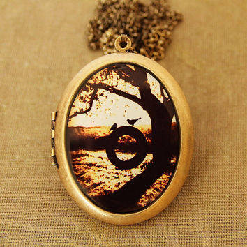 Love At First Swing - Grande Photo Locket Necklace