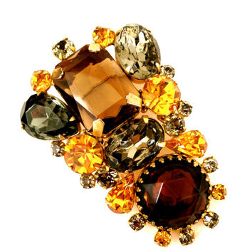 Gorgeous Large Vintage Hattie Carnegie Brooch