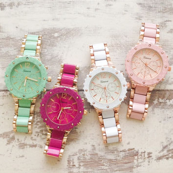 Cute Design Metal Watches.