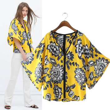 Stylish V-neck Batwing Sleeve Print Women's Fashion Tops T-shirts [5013415812]
