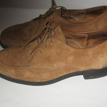 VINTAGE    1970s   Brown  Suede  lace up OXFORDS by  Hush puppies   sz 7 1/2