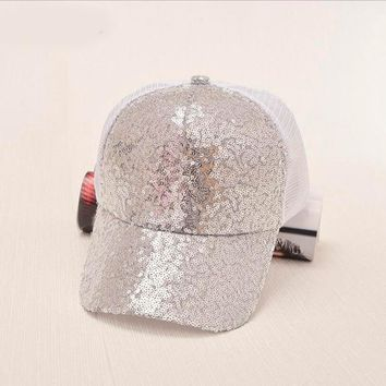 Trendy Winter Jacket 2018 NEW Sequins Baseball Cap Women's Adjustable Cap Reflective Sequins Fashion Snapback Summer spring hat casquette AT_92_12