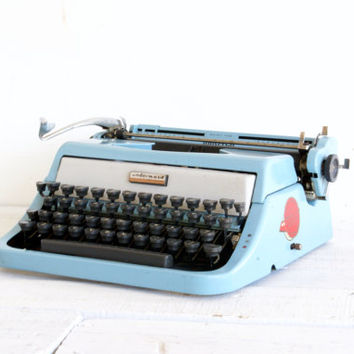 Underwood Typewriter Golden Touch // Blue // Working
