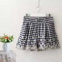 Blue Checkered Floral Lace Pleat Shorts With Pockets