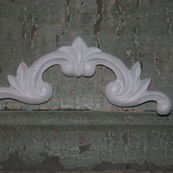 4 - Corner pieces / Furniture Appliques  / corner piece  / shabby chic / chic furniture / onlays / distressed furniture