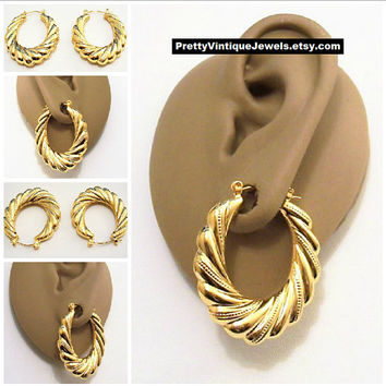 Monet Swirl Line Dot Graduated Hoops Pierced Stud Earrings Gold.  PrettyVintiqueJewelry.com b69d2e96e0
