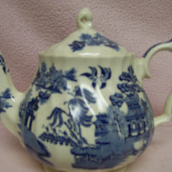 Blue Willow Teapot Sadler Vintage Made in England