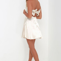 Bow-Monde Champagne Strapless Dress