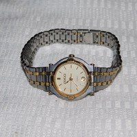 Ladies Beautiful VINTAGE GUCCI 9000L Gold Plated Stainless Steel Quartz Watch