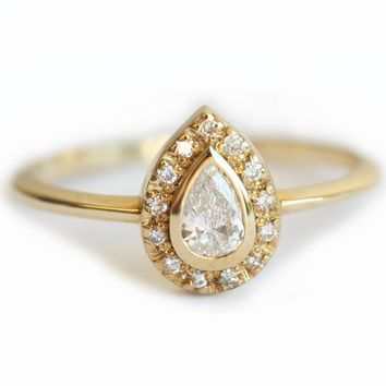 Ring For Women 0.23CT Pear Cut 18k yellow gold Engagement Ring Diamond Wedding Ring Diamond jewelry fashion bague