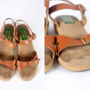 1970s LEATHER sandals | Boho Chic Leather Flats Mootsies Tootsies 70s Shoes 70s Flats Hippie Shoes Hippie Sandals Vintage 70s Sandals