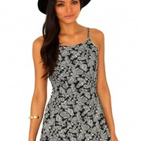 Missguided - Baylyn Paisley Print Swing Dress