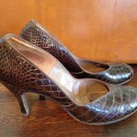 vintage 1940s alligator shoes / vintage alligator heels / vintage 1950s shoes 8.5