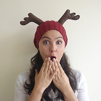 LIMITED Deer Hat, Christmas Gift, Burgundy Hat, Cherry, Slouchy Hat, Special Gift, Xmas Gift, Gift For Her, Gift For Him, Antler, Fun, Wool