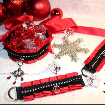 Holiday Exclusive kittenplay set with red base, black lace trim and rhinestone imitation trim in middle + chain
