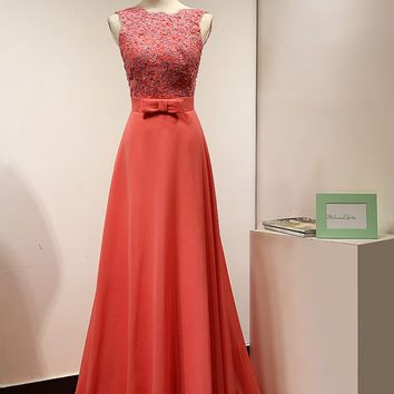 Long Coral Casual Wedding Bridesmaid Dress Beaded Lace Appliques Open Back Prom Dress Backless Formal Evening Gown