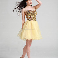 A-line Sweetheart Organza Short/Mini Gold Sequins Homecoming Dress at dressestore.co.uk