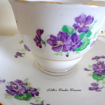 Vintage Colclough English Fine Bone China Tea Cup and Saucer Purple Violets Gold Trim Replacement China Pattern 6616 Antique Tea Cup Gift