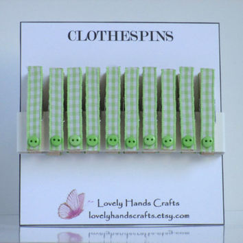 Mini Wood Clothes Pin, Baby Shower Favors, Green Gingham - Set of 10