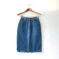 Vintage 80s Levis Jean Skirt. Blue Jean Denim Skirt. Midi length skirt.