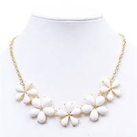 Epoxy Daisy Bib Necklace | Wet Seal