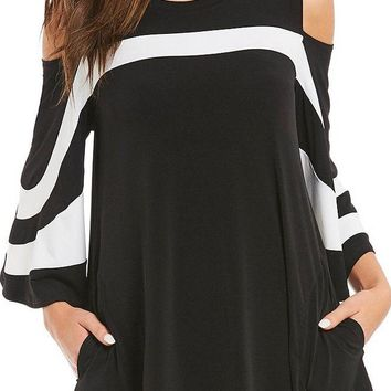 Black Platter Colorblock Bell Sleeve Plus Size Tunic Top