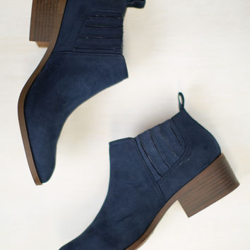 Stand Up Straight BC Footwear Bootie
