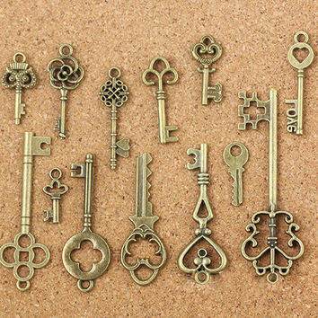 13Pcs Antique Old Look Bronze Keys Vintage DIY Pendant Metal Charms Decorations