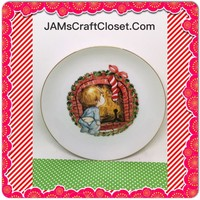 Christmas Wall Plate Vintage 1982 Child at Fireplace Looking for Santa Wall Art Wall Hanging 6 1/2 Inches in Diameter