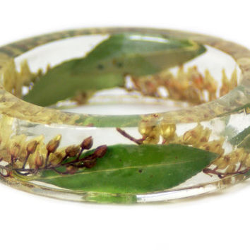 Real Dried Flower and Resin Bangle- White Flower Bracelet- Green Jewelry - Resin Jewelry -Yellow Flower Jewelry