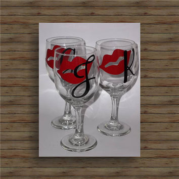 RED HOT LIPS with Initial wine glass / bachelorette party glasses / bridesmaids glass / wedding glasses / red wine glass / white wine glass