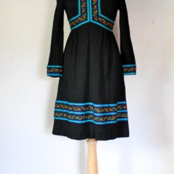 60s Folk Style Black Knit Dress