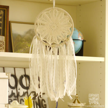 Wedding Dreamcatcher, Doily Dreamcatcher, White Dreamcatcher, Crochet Dreamcatcher, Handmade, Boho, Rustic Dreamcatcher, Wall Hanging