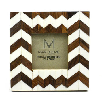 Rudra Bone and Wood Frame for a 3X3 Photo - Matr Boomie