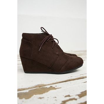Desert Suede Low Wedge Shoe/ SaddleBrown