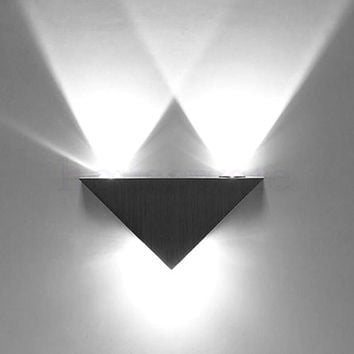 AC85-265V Wall Mounted Aluminum Modern Wall Sconce Triangle Designed 3w Cool White LED Wall Light Decoration Home Lighting wx156