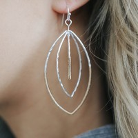 REFINED MOMENTS EARRINGS - ANTIQUE SILVER